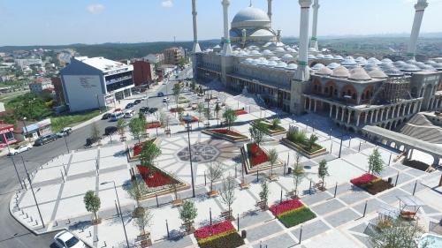 Yeşil Camii Meydanı Hizmetinizde