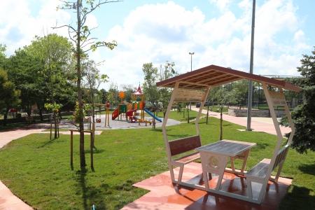 Durusu Hanımeli Parkı Yenilendi